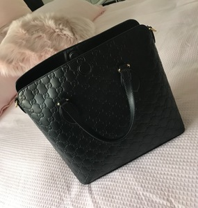 Buy: Gucci signature leather top bag