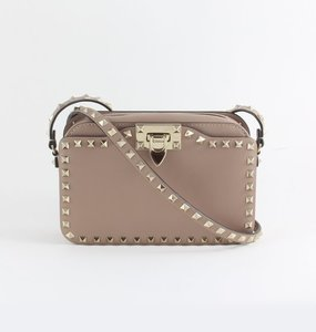 Rent: Rockstud Shoulder Bag in Poudre