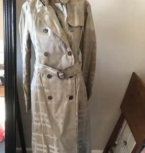 Buy: Authentic Burberry Trench Pattern Coat - BNWTS US$995